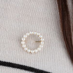 Cultured Pearl Circle Brooch 14K