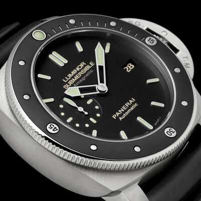 PANERAI Luminor Submersible 1950 Amagnetic Automatic Titanium Watch