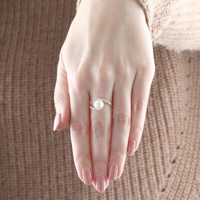 Cultured Freshwater Pearl & Diamond Ring 14K