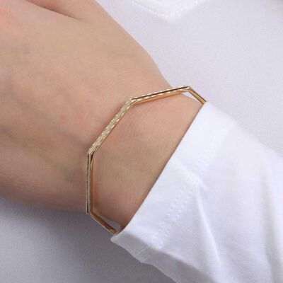 Hexagonal Diamond Cut Wire Bangle 14K
