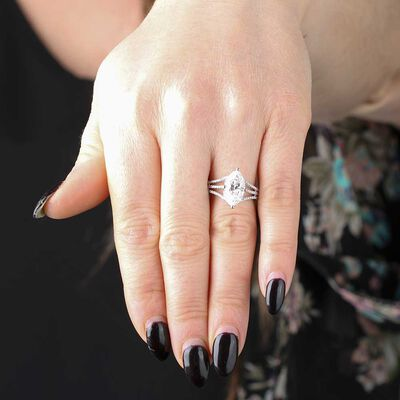 Marquise Diamond Ring 18K, 2.54 Carat Center