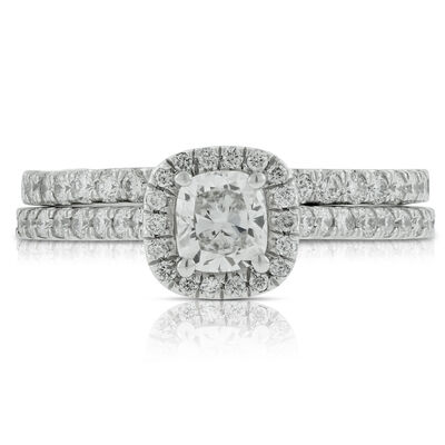 Cushion Cut Diamond Bridal Set in Platinum