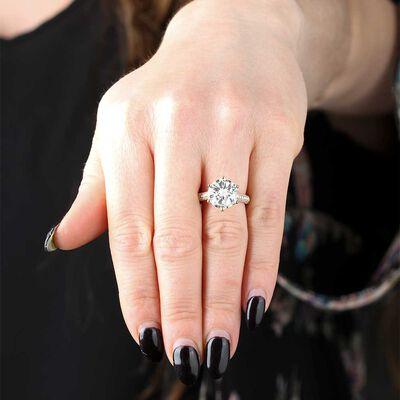 Light Yellow Diamond Engagement Ring 18K, 5.05 Carat Center