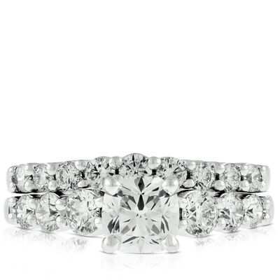 Signature Forevermark Black Label Cushion Cut Diamond Bridal Set 18K