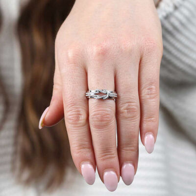Knot Diamond Ring 15K