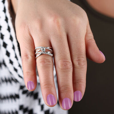 Ikuma Canadian Graduated Diamond Criss Cross Ring 14K