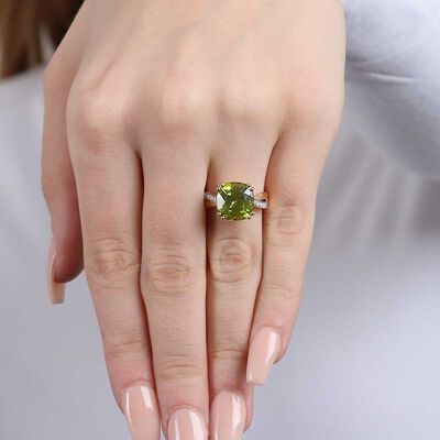 Cushion Peridot & Diamond Ring 14K