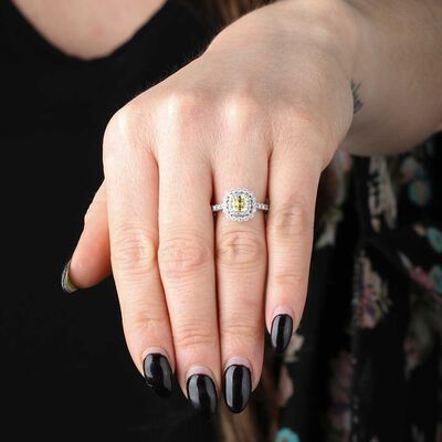 Fancy Intense Yellow Diamond Engagement Ring 18K, 9/10 ct. Center