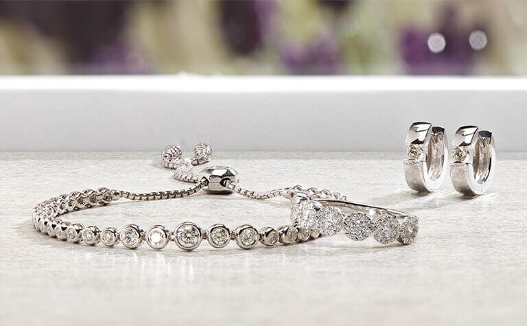 Diamond Jewelry   11533775 - 11868536 - 11804754