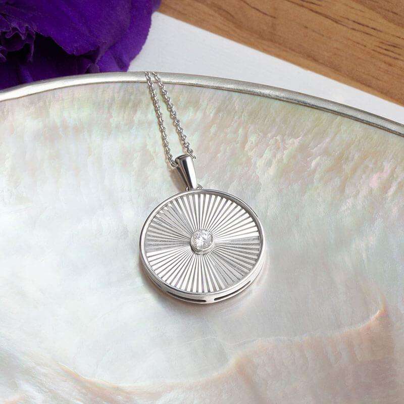 Ikuma Canadian Diamond Jewelry
